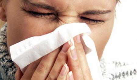 Polline e allergia: cosa fare per prevenire la rinite allergica