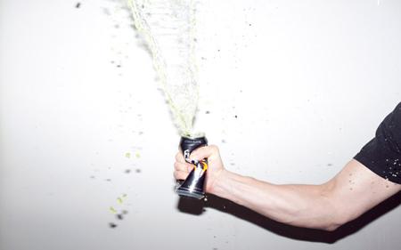 Gli energy drink ci mettono davvero le ali?