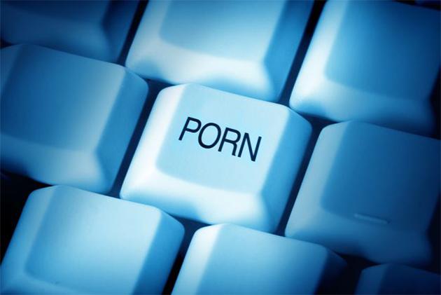 Giovani sul web: otto adolescenti su dieci visitano siti pornografici