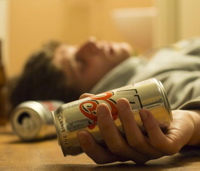 """Anche in Italia la moda del """"binge drinking"""""""