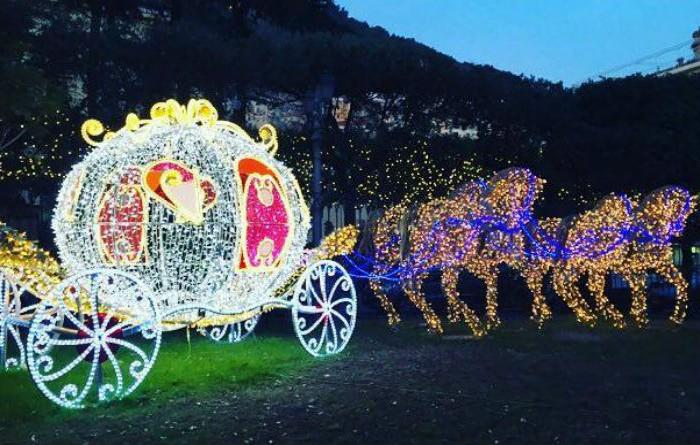 Salerno si illumina a festa